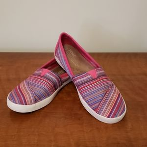TOMS size 7.5 wide womens red stripes